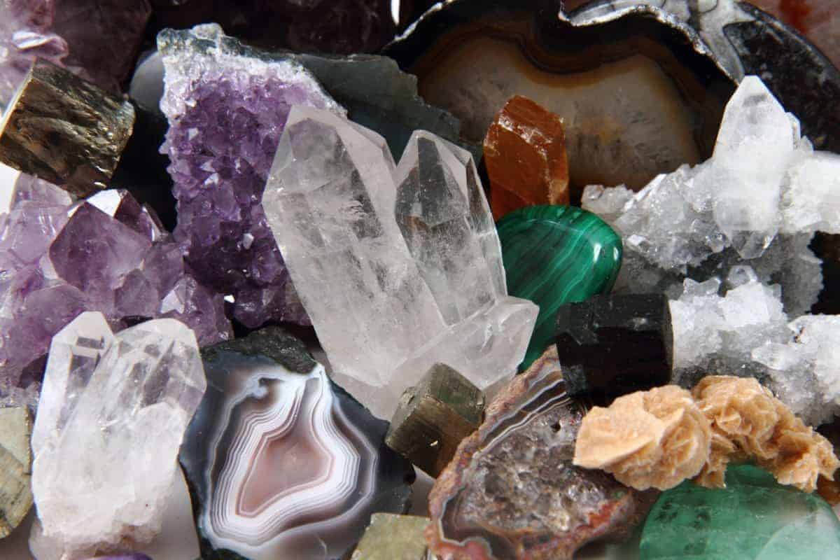 natural healing crystal how does crystal healing work