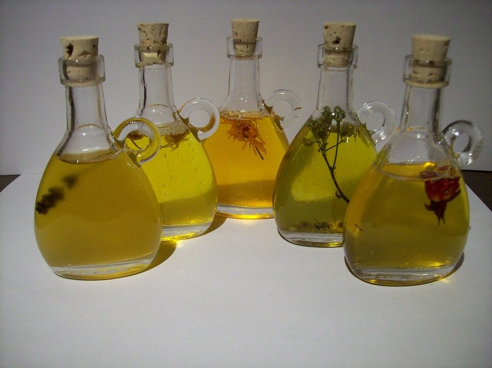 what is an aromatherapy oil
