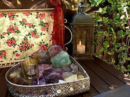 holistic healing crystals