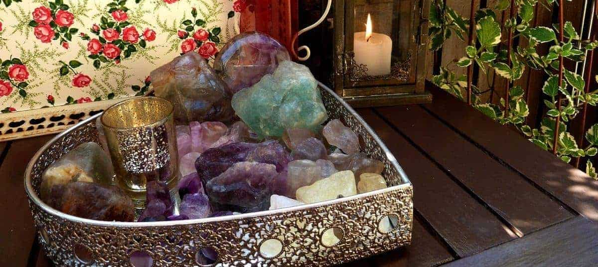 Holistic Healing &Ndash; Crystals And The Law Of Attraction
