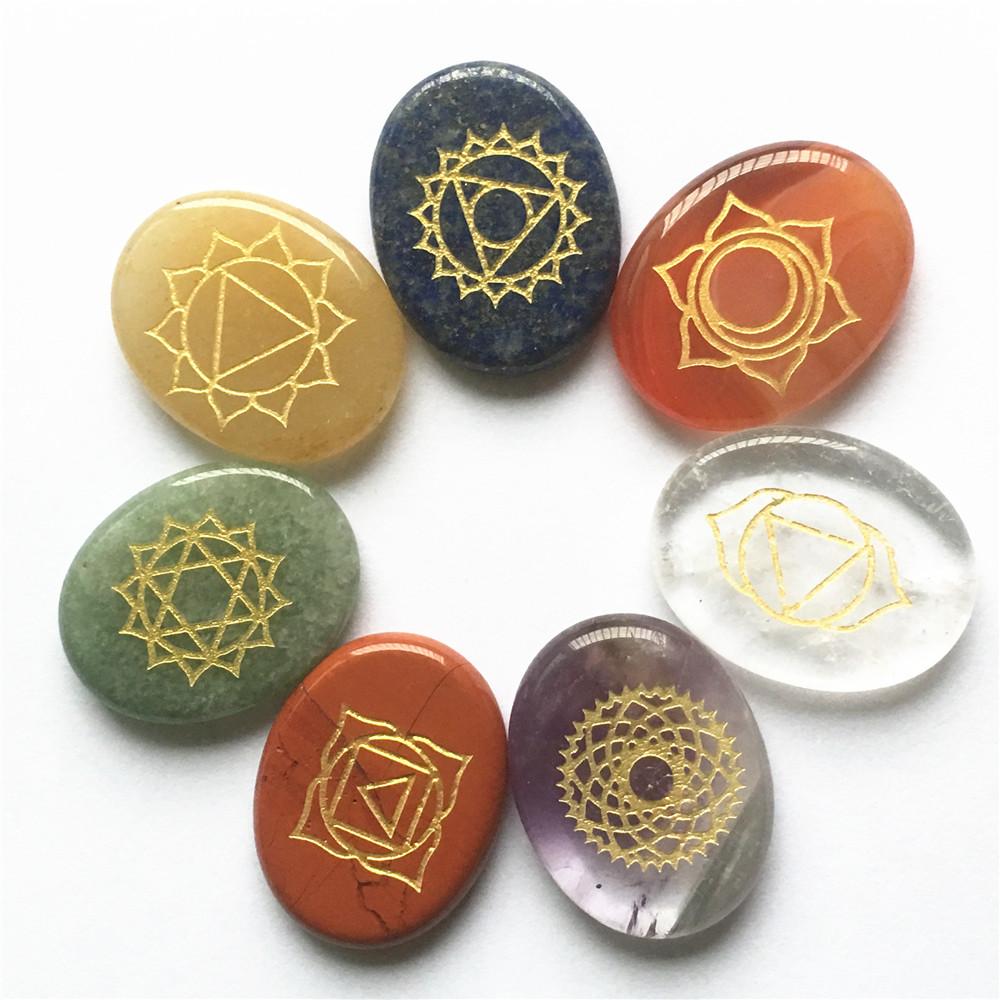 No Hole!! 2018 Natural Engraved Stone Chakra Pendants Oval Shape Crystal Choker Necklace Reiki 7 Chakra Stones Pendant Necklace